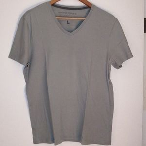 Banana Republic t shirt size largee